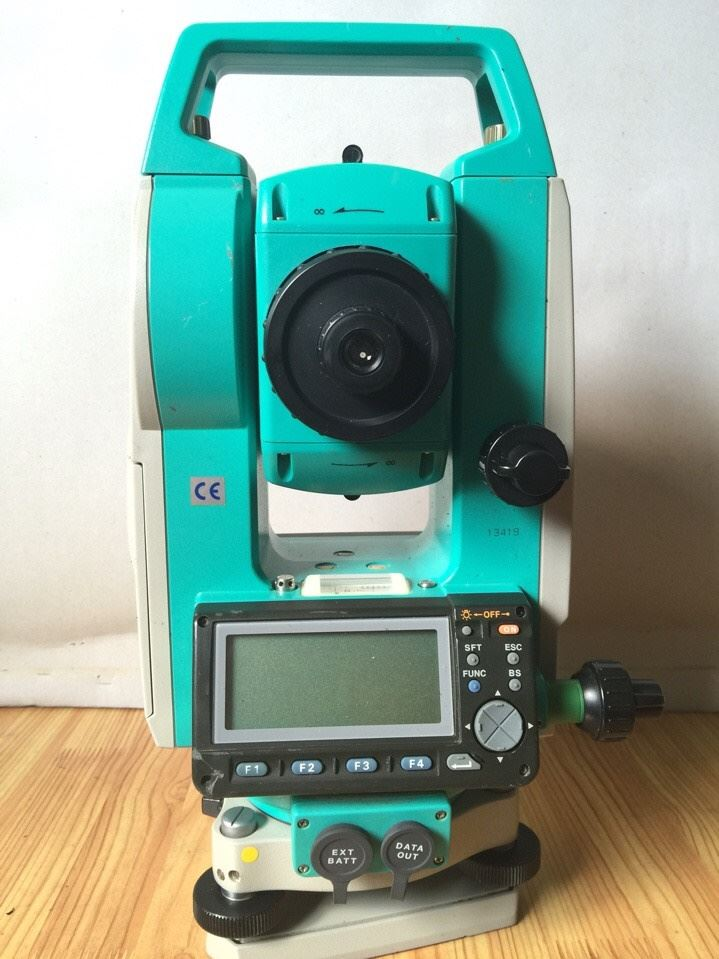 Sokkia Set- 500 (máy toàn đạc điện tử)